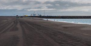 Strand am Fährhafen
